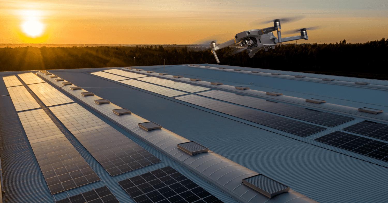 Projetos Solares com drone: 5 vantagens indispensáveis